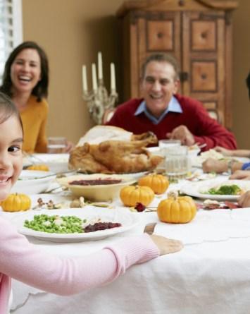 Los CDC recomiendan no viajar para el Día de Acción de Gracias