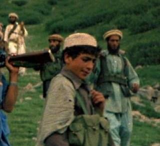Menor va a prisión por descargar contenido yihadista en Play Station