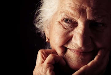 Cómo cuidar la población más vulnerable, los abuelitos