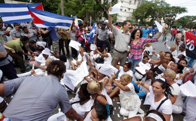 damas-de-blanco-en-el-exilio-piden-al-papa-que-se-rena-con-los-disidentes.jpg