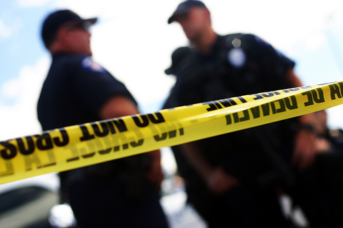 Gobernador de Massachusetts firma la ley de reforma policiaca