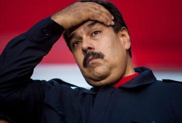 Maduro pide renuncia a su gabinete luego de la derrota en las urnas