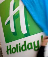 Planea pasar su vejez en un Holiday Inn en vez de un asilo de anciano
