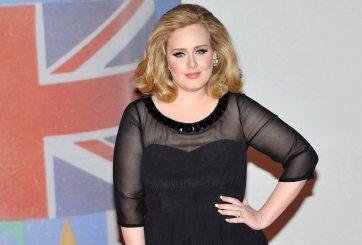 Adele sorprende a todos con una foto de Navidad