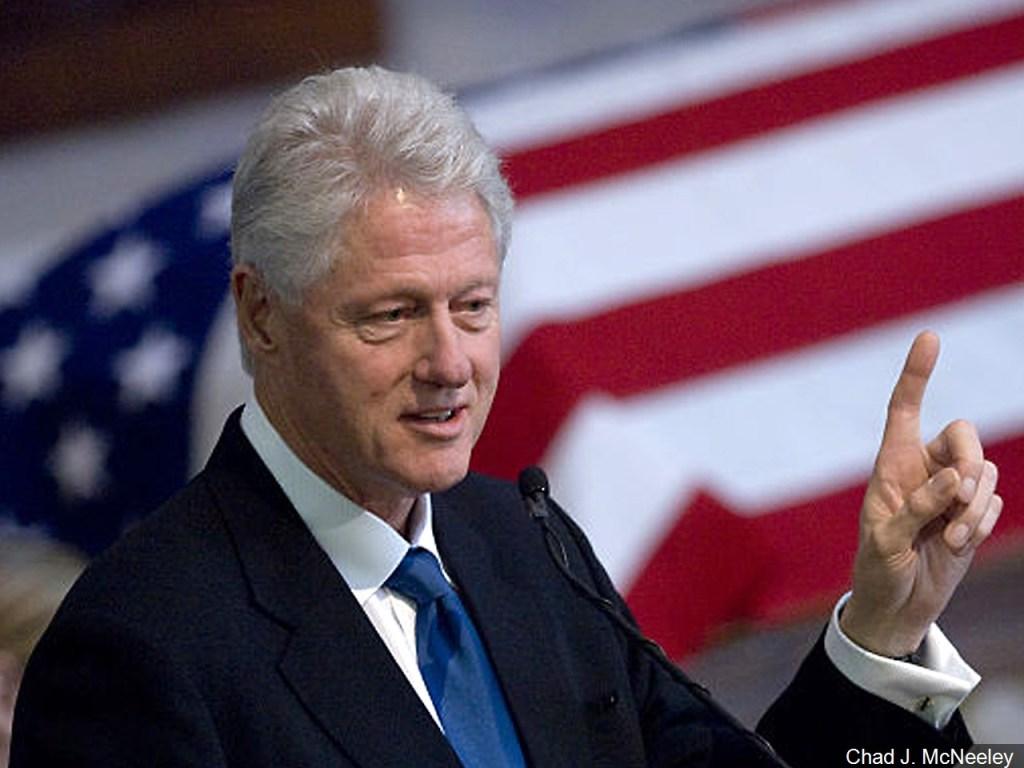 Bill Clinton (D)