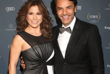 Alessandra celebra cuatro años de compromiso con Derbez