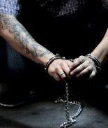 FOTOS: Pandilleros venden y golpean con bate a niña de 15 años