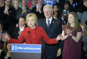 Hillary promete ser dura con sus mayores contribuyentes: Wall Street
