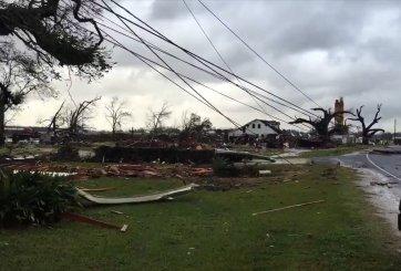 VIDEO, FOTOS: Avanza tormenta que dejó tres muertos y destrucción en el Este