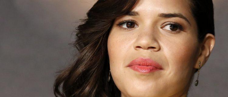 """VIDEO: América Ferrera invita a latinos a votar porque """"hay mucho en juego"""""""