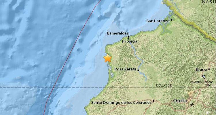 Entre la devastación un nuevo sismo sacude Ecuador