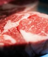 Ha comido carne cruda por 10 años y sus problemas de salud acabaron