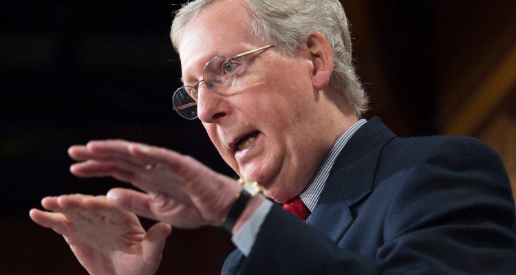 McConnell bloquea aumento de los cheques de estímulo a $2,000
