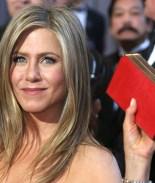Muere madre de Jennifer Aniston sin una reconciliación