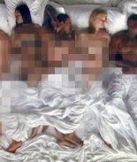 Donald Trump desnudo y en la cama en nuevo video