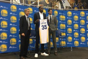 Kevin Durant es presentado con los Golden State Warriors
