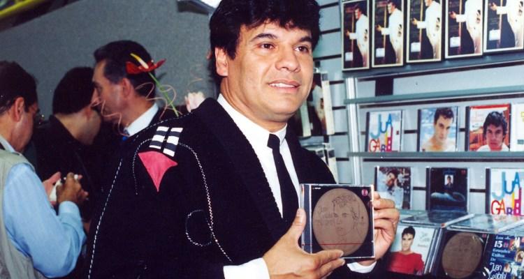 Juan Gabriel graba dueto con Elton John