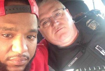 Policía maneja 100 millas para ayudar al hombre que infraccionó