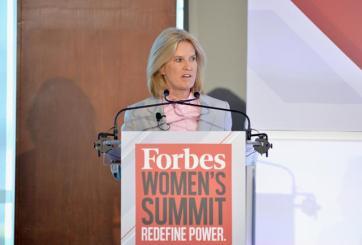 Presentadora de televisión abandona abruptamente Fox News