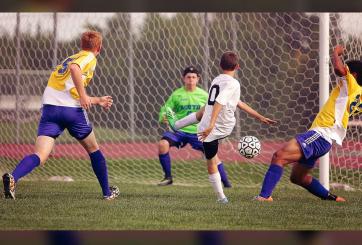 Futbolista cambia su apellido para evitar que su hija sufra de bullying