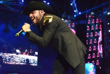 ¡EXCLUSIVA! Gerardo Ortiz no cantó por andar borracho