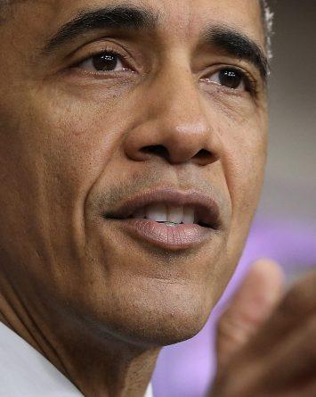 Obama perdona la condena de 102 presos