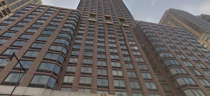 Inquilinos de Trump Place piden cambiar el nombre de edificios por pena
