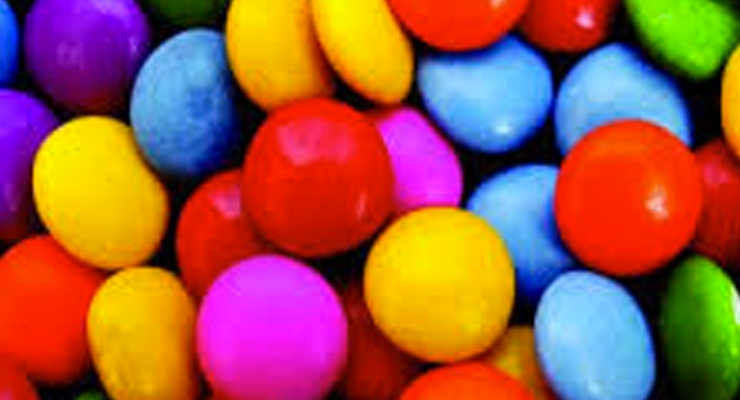 Detienen a viajero que cargaba 4.3 kilos de caramelos rellenos de cocaína