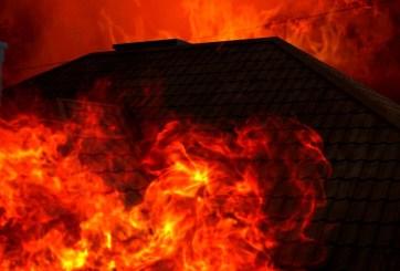 Tres muertos y 150 hogares destruidos tras incendio en Tennessee