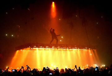 Kanye West cancela tour tras dar sermón a fans en California