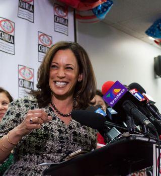 Biden elige a Kamala Harris como su compañera de boleta