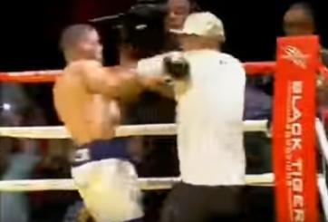 Boxeador encara a golpes al entrenador rival tras ganar por KO