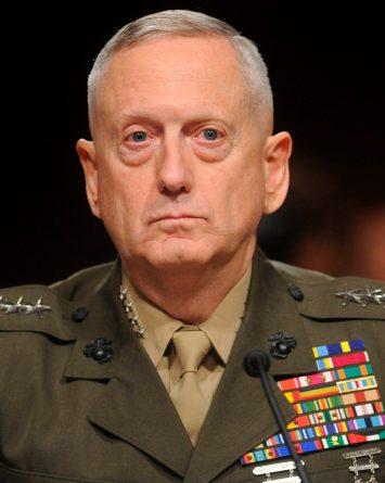 General describe a Trump como una amenaza a la Constitución
