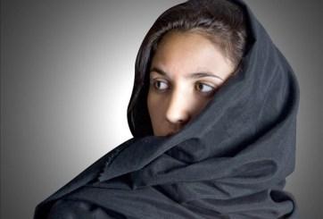 Despiden a maestro por quitarle el hiyab a niña