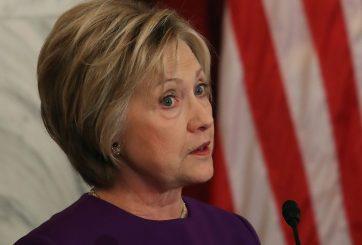 Campaña de Clinton apoya informe sobre Rusia a Colegio Electoral