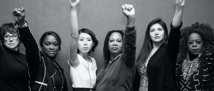 Dos latinas impulsan ola de protestas contra resultado electoral