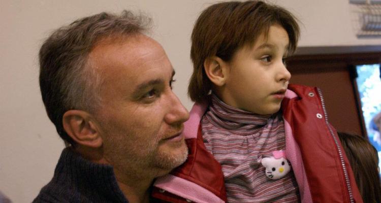 Padre estafa en redes sociales, inventó una falsa enfermedad de su hija