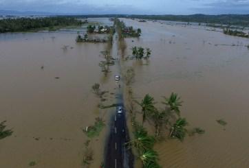 Supertifón azota a Filipinas y miles son evacuados