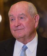 ¿Quién es Sonny Perdue, nuevo secretario de Agricultura?