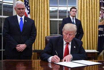 Trump firma sus primeros decretos como presidente