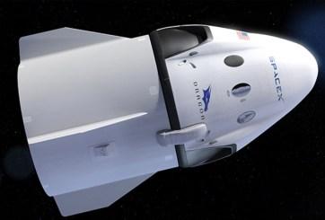 SpaceX enviará dos personas alrededoe de la luna en el 2018