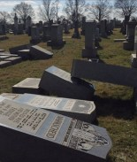 Vandalizan casi 100 lápidas en cementerio judío de Filadelfia