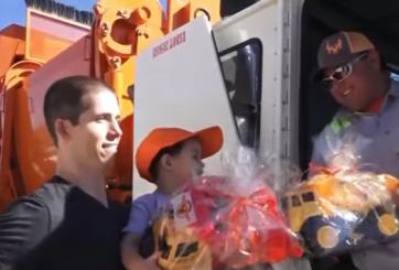 Niño elige camiones de la basura como tema de su fiesta