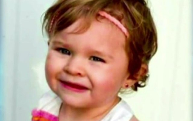Demandan padres de niña que murió tras visitar al dentista