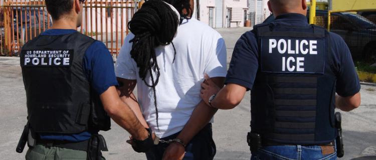 VIDEO: Delitos menores que ICE busca para deportarte