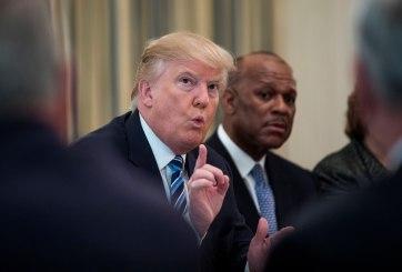 Trump cobra salario aunque prometió lo contrario