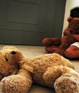 FOTO: Mujer transgénero viola a niña en el baño de su casa
