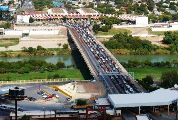 Para agilizar el cruce fronterizo en Laredo, CBP da 6 consejos
