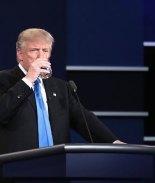 Trump tiene botón de emergencia para pedir Coca-Cola