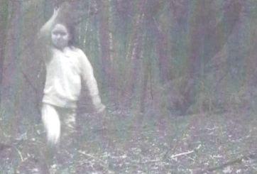 Misteriosa foto causa controversia ¿Es una niña o un fantasma?